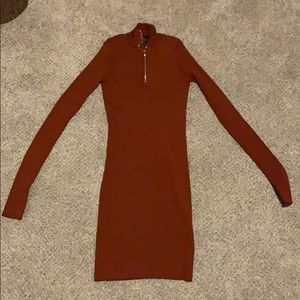 mid zip tight fitted dress